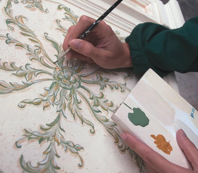 Decorazioni su legno con pennello Susetta Barrese Chiarioni