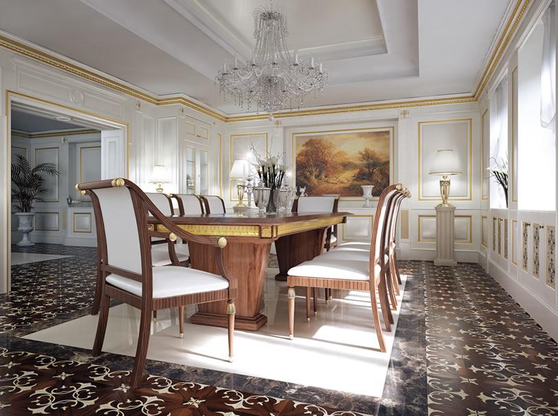 sala da pranzo con tavolo in legno e sedie foderate di bianco