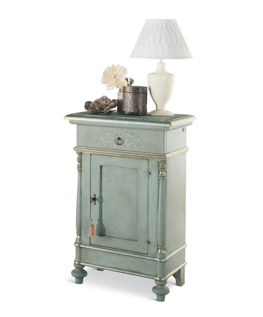 Bedside table with turned columns