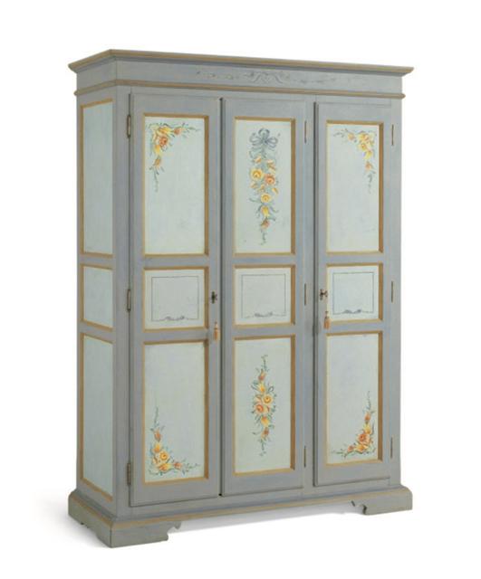 3-door wardrobe with tiles