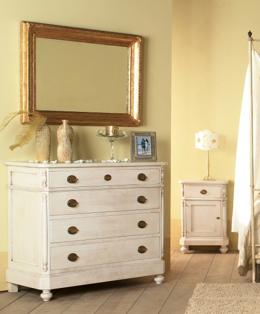 Dresser and two bedside tables
