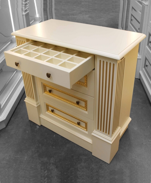 Customized chest of drawers with wheels